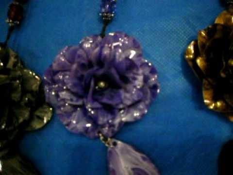 Flores feitas com garrafas pet