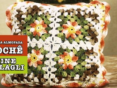 18.11.2014 - Capa para almofada em crochê (Elaine Stolagli)