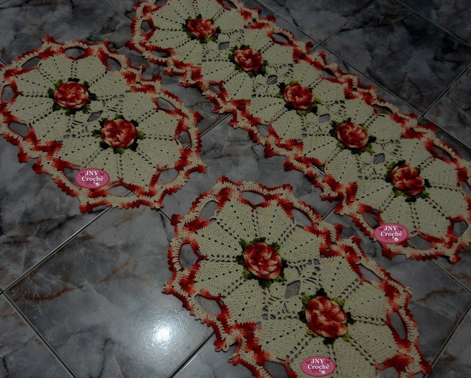 """Jogo de Tapetes de Crochê """"Flor de Cerejeira"""" por JNY Crochê"""