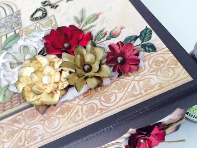 Caixa Chic com flores By Livia Fiorelli