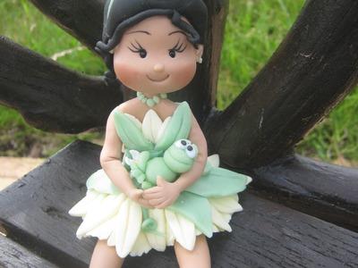 Princesa Tiana Topo do Bolo fofinha ( Princesa e o Sapo ) Biscuit. Porcelana Fria