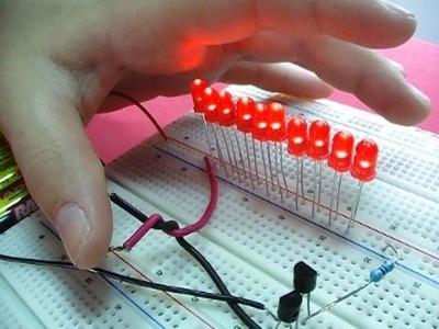 ACENDA 10 LEDs COM O TOQUE DOS DEDOS