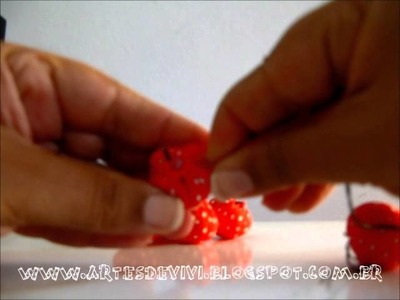 Como fazer um agulheiro ou sachê com fuxico em formato de flor
