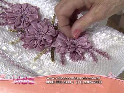 Saiba como fazer um lindo bordado da flor camélia!