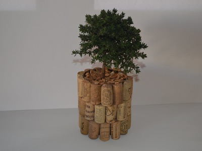 Como Hacer una maceta con tampones de corcho - How to Make a pot with stoppers cork