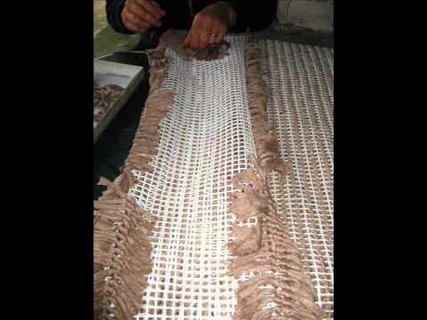 Como fazer um tapete em menos de 2 minutos| How to make a carpet in less than 2 minutes