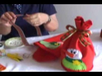 Artesã ensina passo a passo a fazer um charmoso saco de Panetone