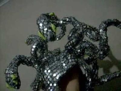 Adorno de cabeça de Medusa da Madame X 2008 by Cristian Boomer