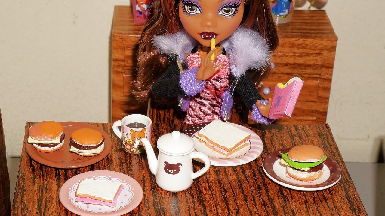 Como fazer hambúrguer e misto  (de cola quente) para boneca Monster High, Barbie, etc