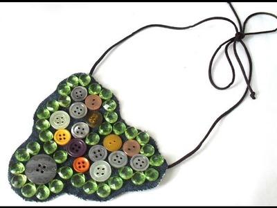 DIY, Maxi Colar com colagem de botões em tecido jeans