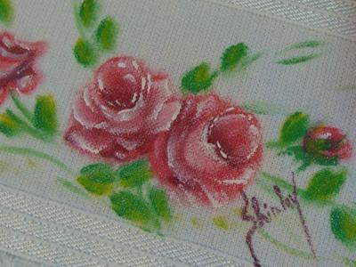 Pintando rosas no tecido