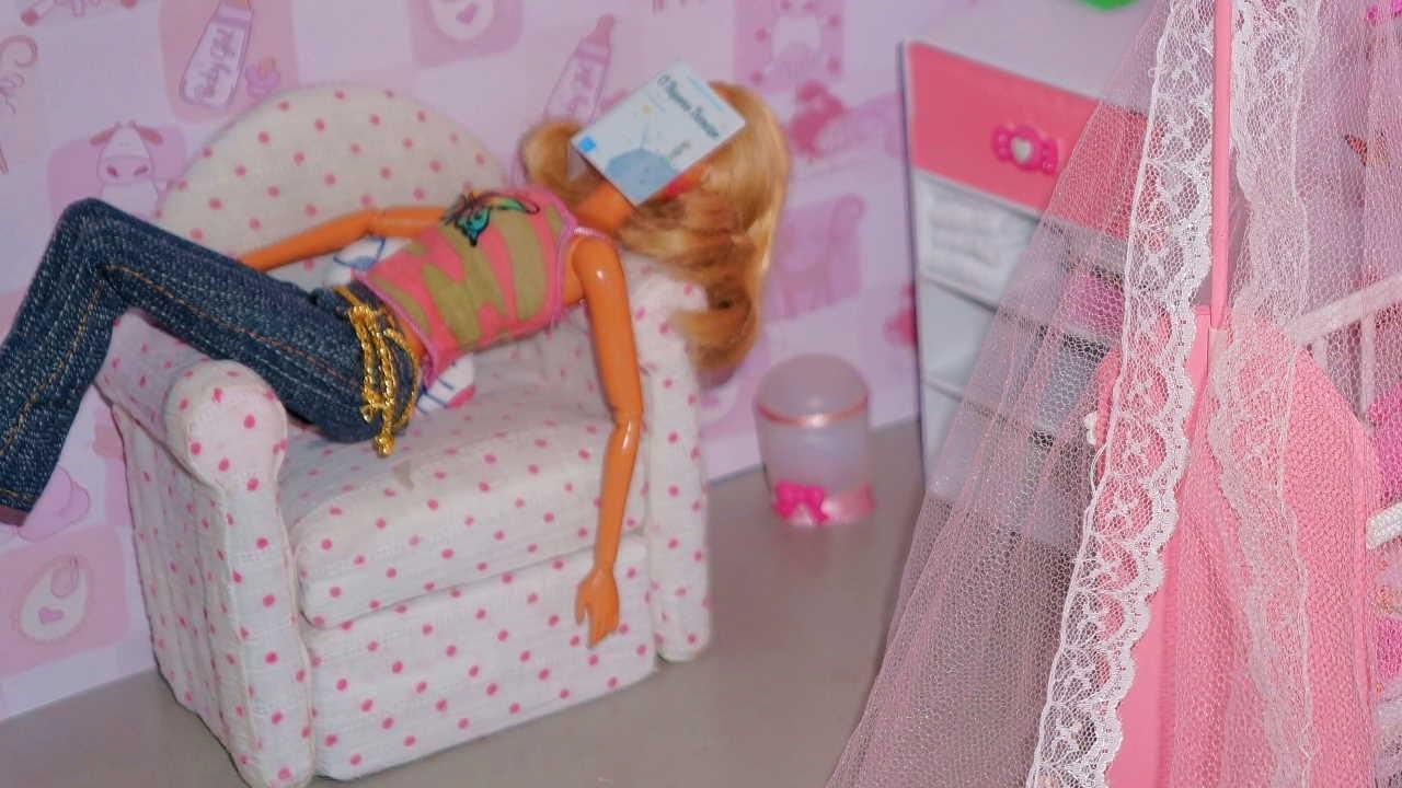 Como fazer uma poltrona para boneca Monster High, Pullip, Barbie e etc
