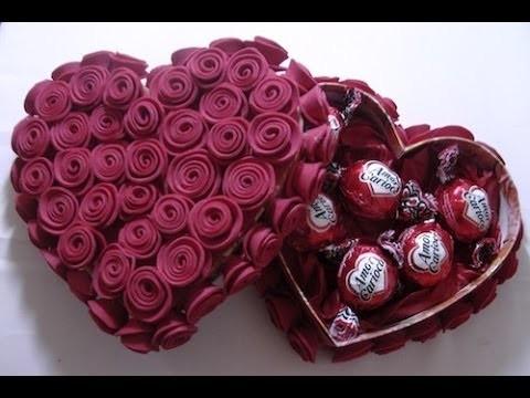 Caixa decorada com rosa de EVA