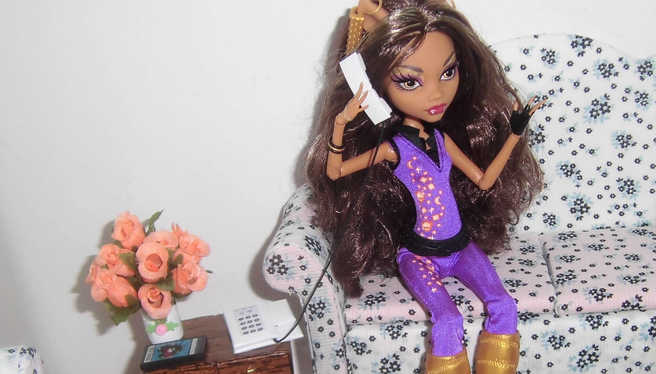 Como fazer um telefone para boneca Monster High, Barbie, etc