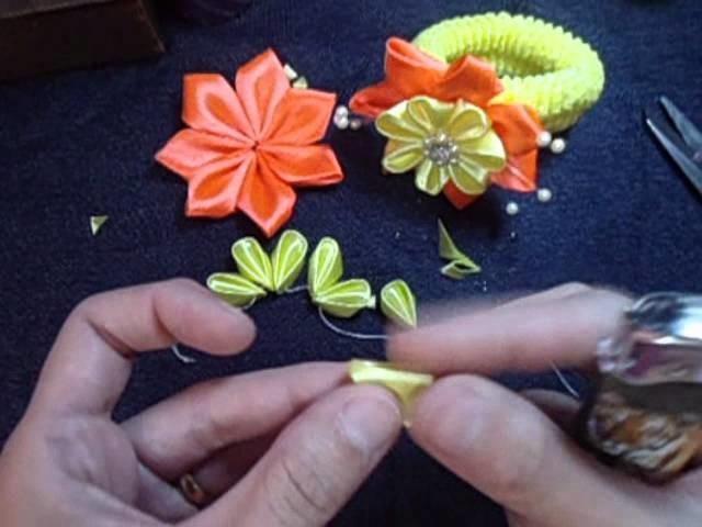 Flor de fita para xuxinha. ribbon flower