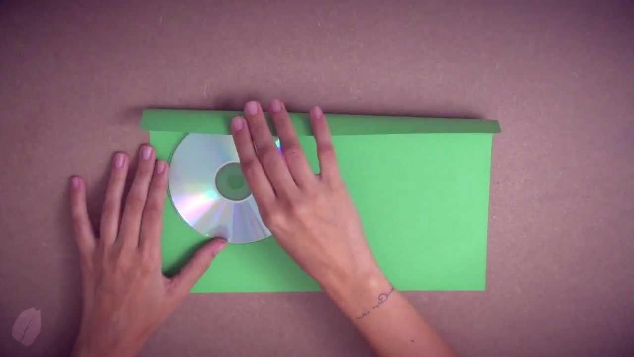 Como fazer um porta CD.DVD com uma folha de A4 (Origami)