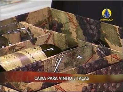 Heloisa Gimenes - SemIgual.com - Caixa para Vinho e 2 Taças 30.12.2013