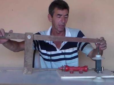 Como montar uma serrinha tico tico p\ recortes caseira