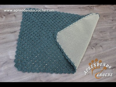 Aplicação Tela Antiderrapante em Tapetes de Crochê
