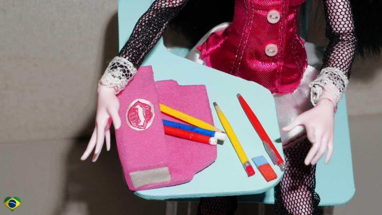 Como fazer estojo escolar e lancheira para boneca Monster High, Barbie, MLP, EAH, etc