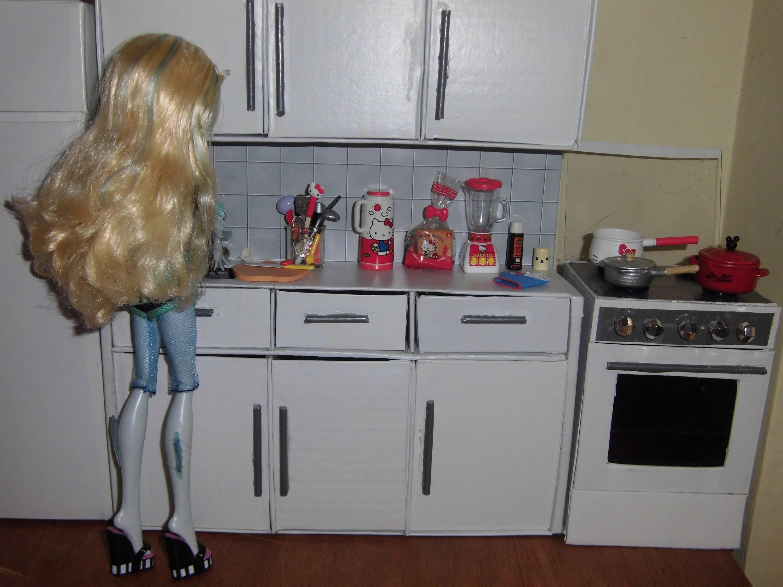 Como fazer um balcão com pia de cozinha para boneca Monster High, Pullip, Barbie e etc
