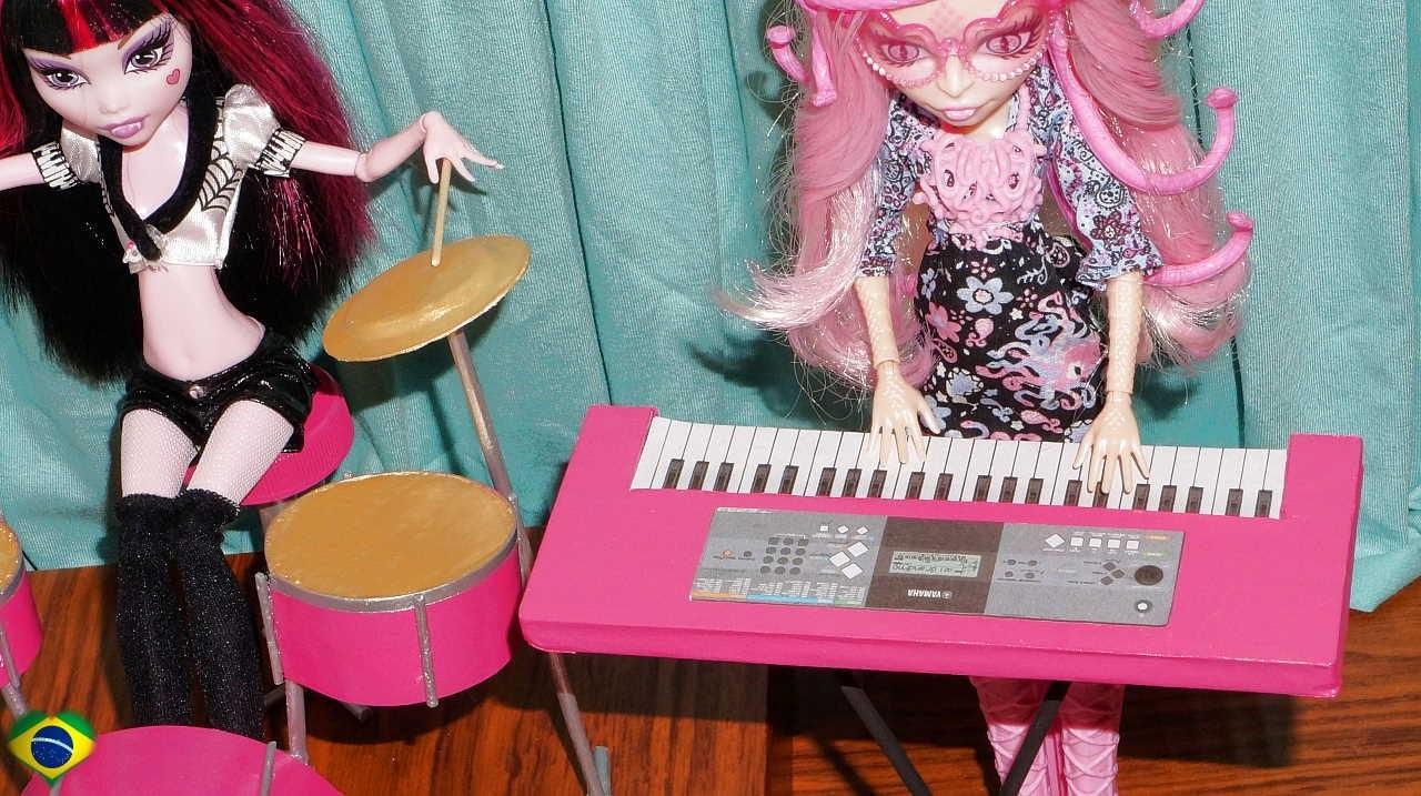 Como fazer um teclado musical para boneca Monster High, Barbie, EAH, etc