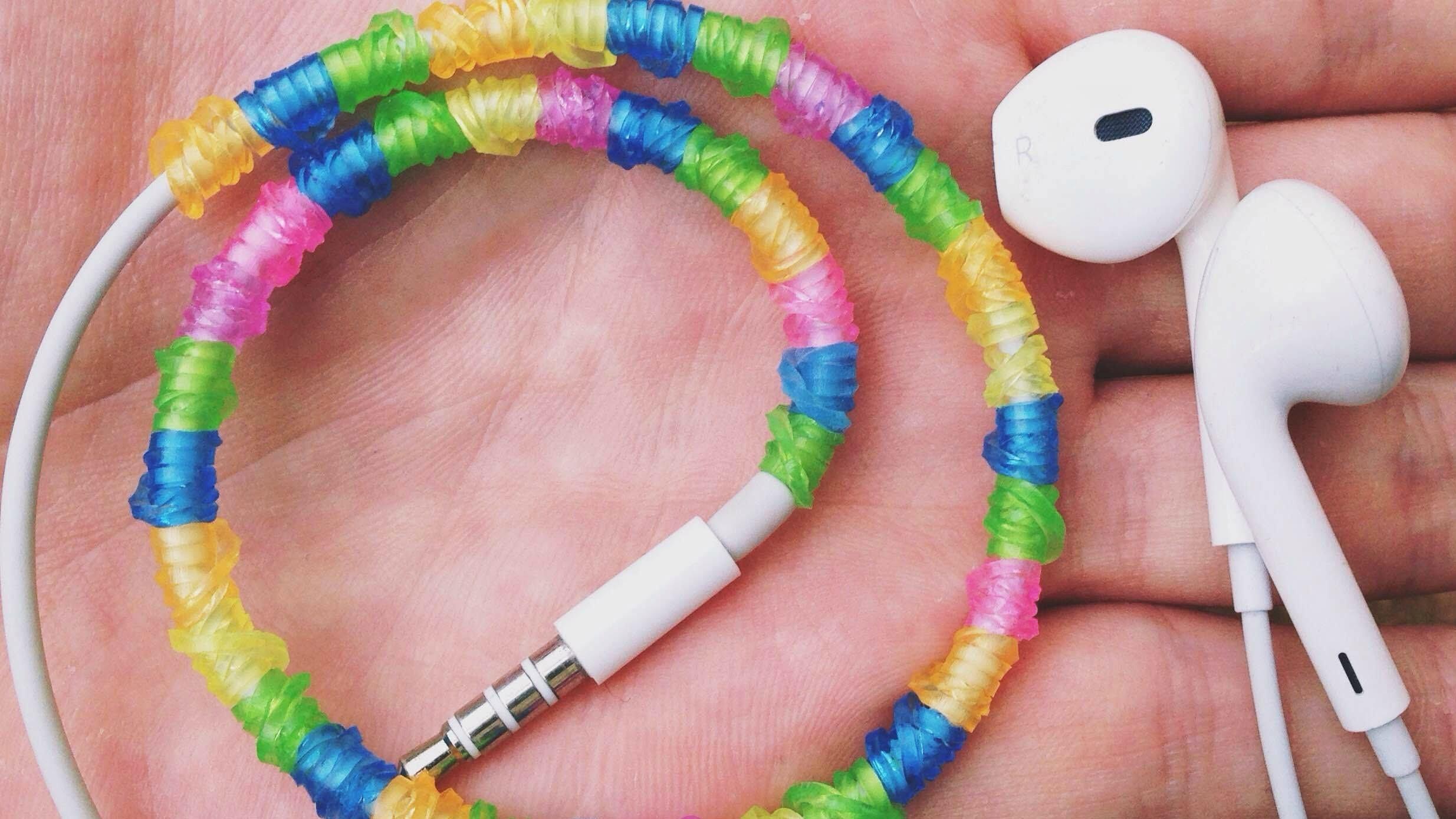 DIY #11: Como enfeitar seu fone de ouvido com elásticos | Igor Saringer
