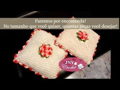 Almofada de crochê com flores por JNY Crochê
