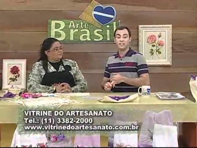 ARTE BRASIL - VALÉRIA SOARES - BOLSA BORDADA COM CORAÇÃO DE FITAS (15.08.2011)