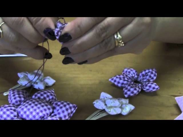 Flor de fuxico com enchimento Passo a Passo - HOW TO MAKE ROLLED RIBBON ROSES- fabric flowers