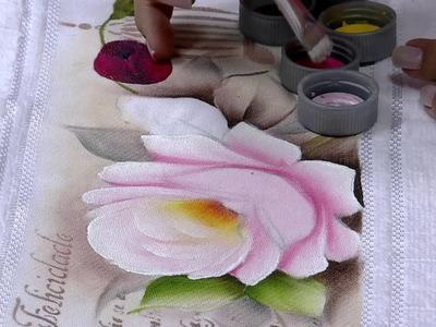 Mulher.com 19.03.2015 Ana Laura Rodrigues - Pintura em toalha rosas Parte 2.2