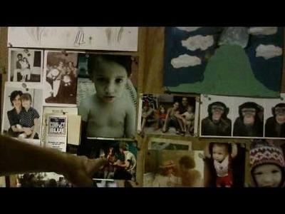 Nando Reis mostra painel de fotos em sua casa