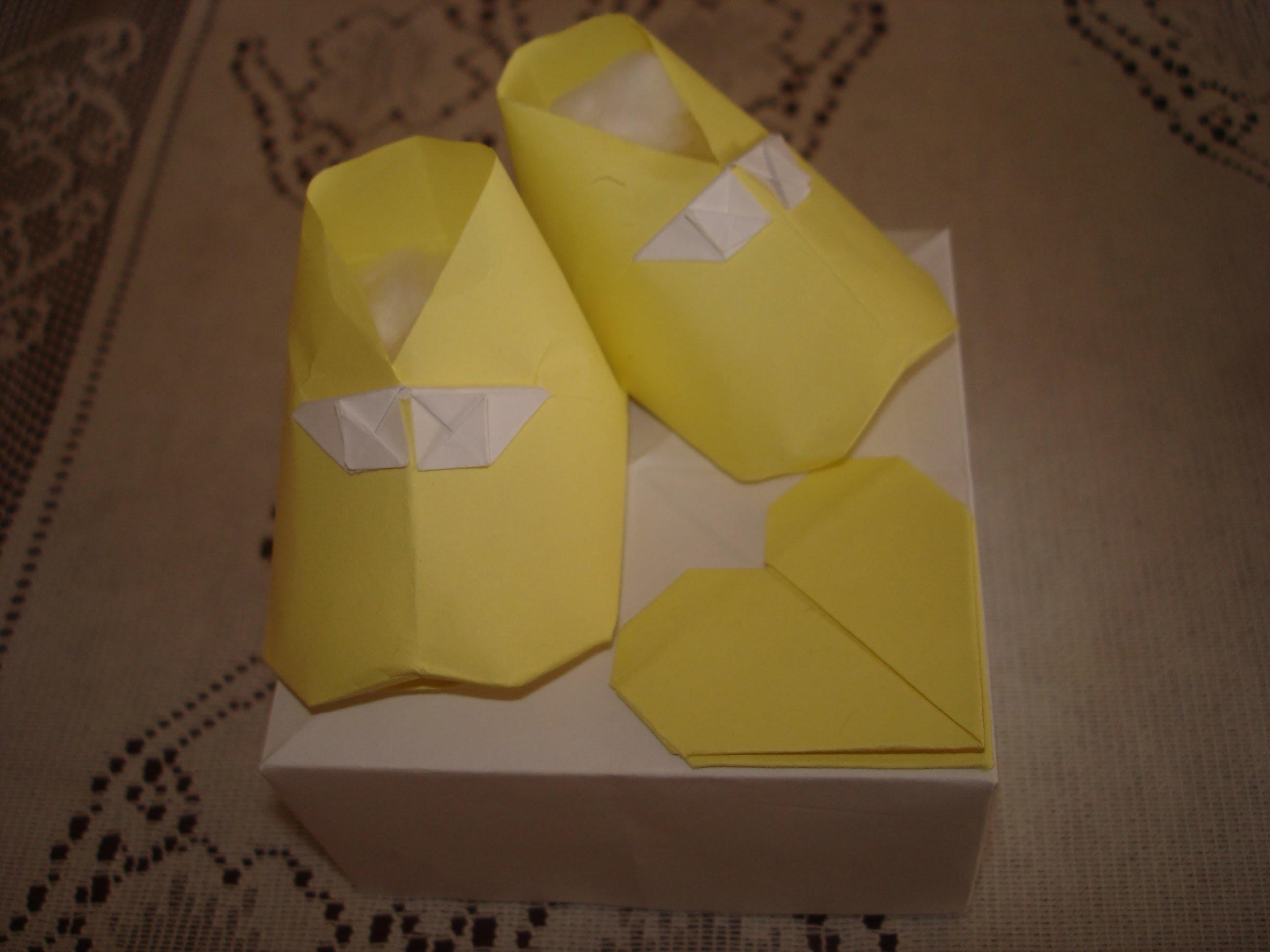 Origami - Sapatinho de bebê
