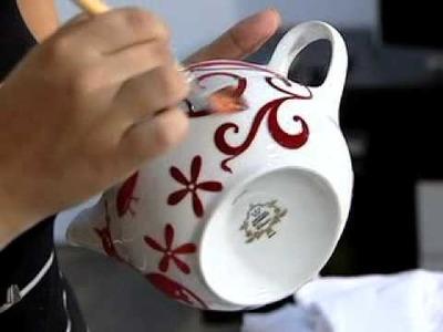 Decoupage com adesivo em porcelana
