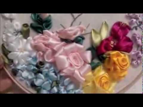 Jardim de flores de cetim