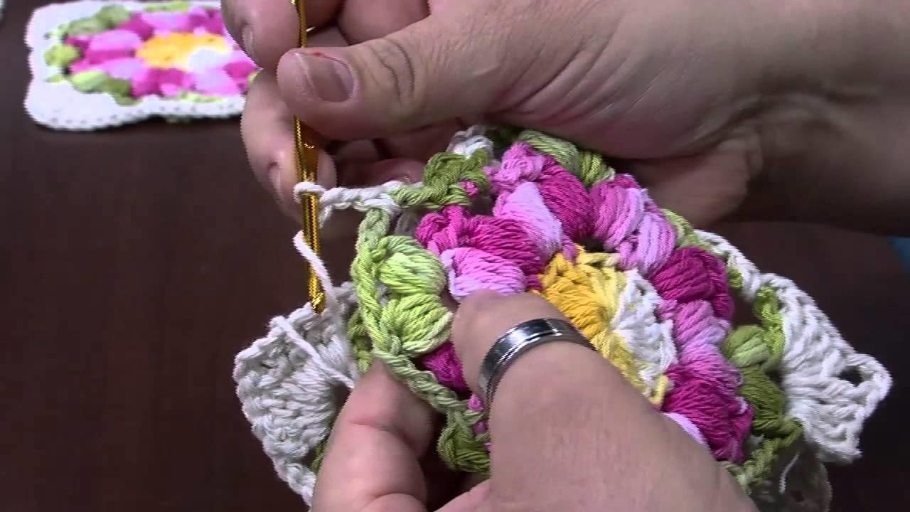 Mulher.com -  07.08.2015 – Flor rasteira (avelã) em crochê para tapete – Marcelo Nunes PT2