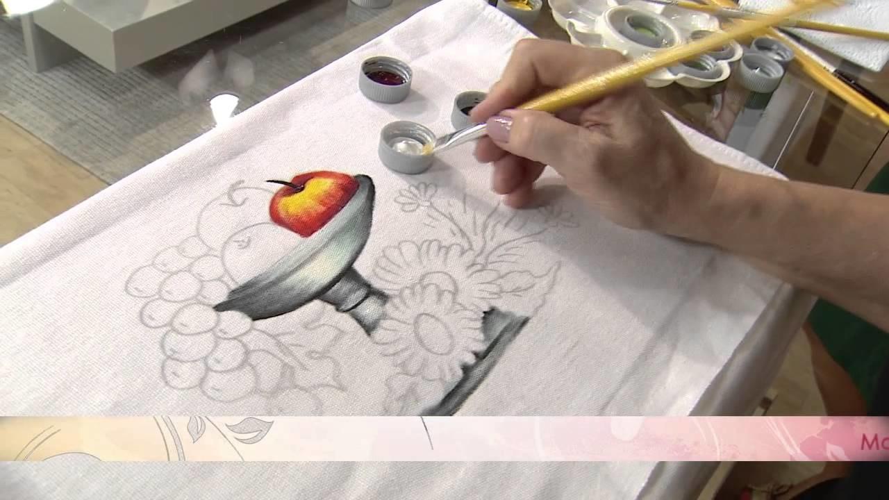 Aprenda a flores usando a técnica de pintura em tecido.