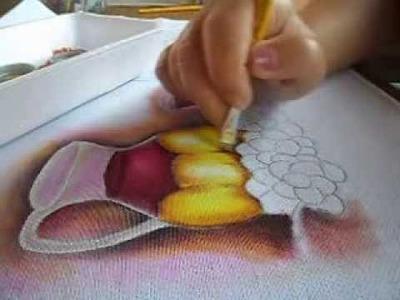 Pintura em tecido- Jarra  com detalhe dourado- Vase with Gold