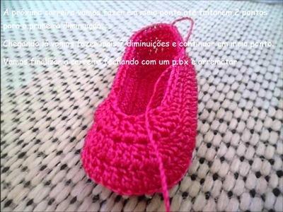 Sapatilha lacinho em crochê