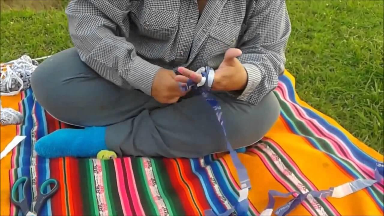 Crochê de plástico Corte das sacolas