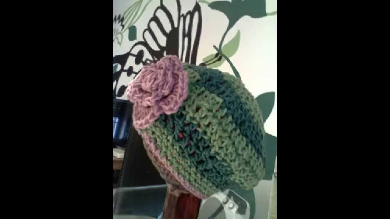 Chapéus. .  boinas e sapatinhos em crochê p. baby's. . :-)