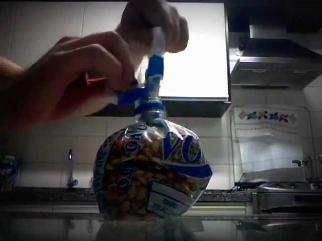 "Como usar tampa de garrafa Pet como ""fecha sacos"""