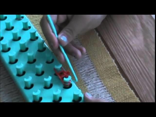 Ensinando a fazer pulseira rainbow loom com pingente