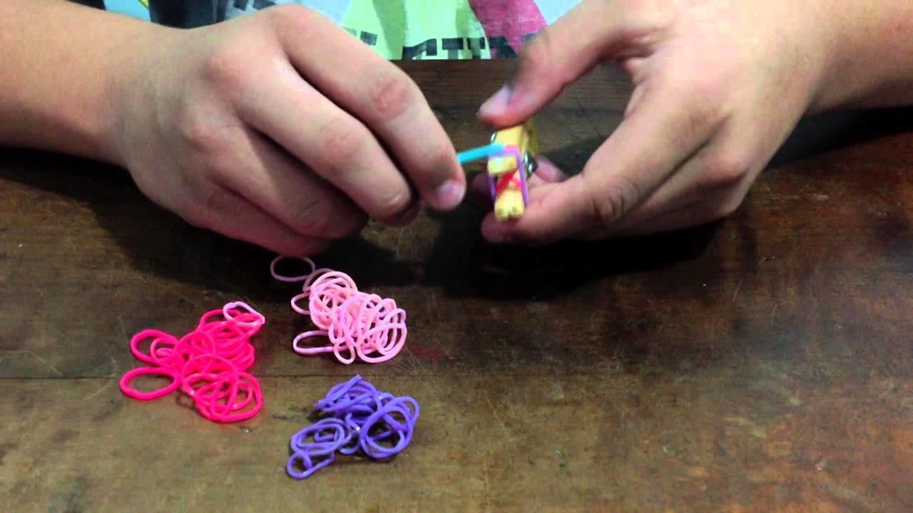 COMO fazer pulseiras de elasticos (Rainbow Loom)