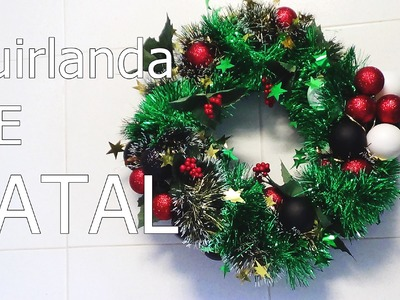 DIY: Faça você mesma uma linda guirlanda de natal para decorar portas  feito com cabide