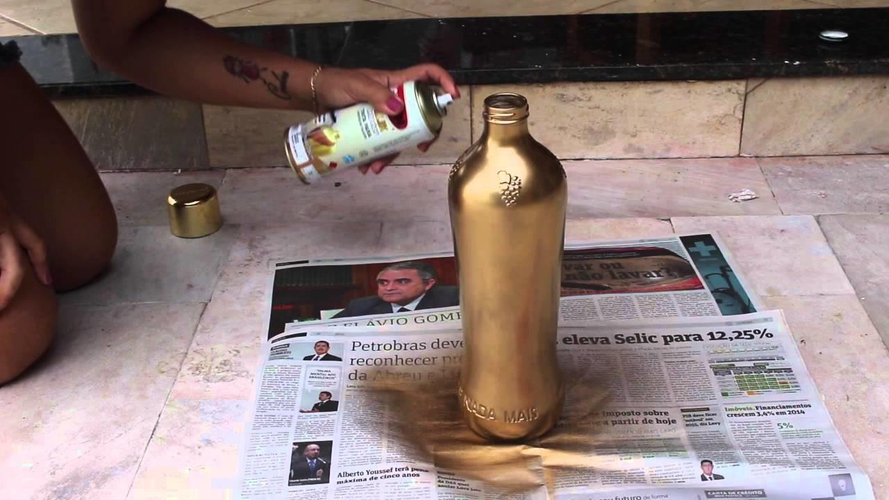 DIY: Transformando uma simples garrafa em um vaso de decoração.