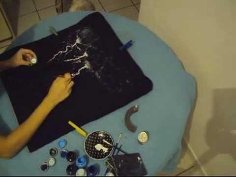 DIY Como pintar raios em uma camiseta passo a passo
