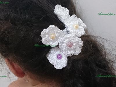 Acessório para cabelo feito com elástico com flores em croche!