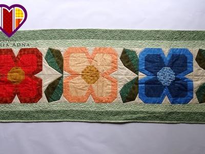 Caminho.trilho de mesa em patchwork Flores III - Maria Adna Ateliê - Trilhos de mesa em patchwork