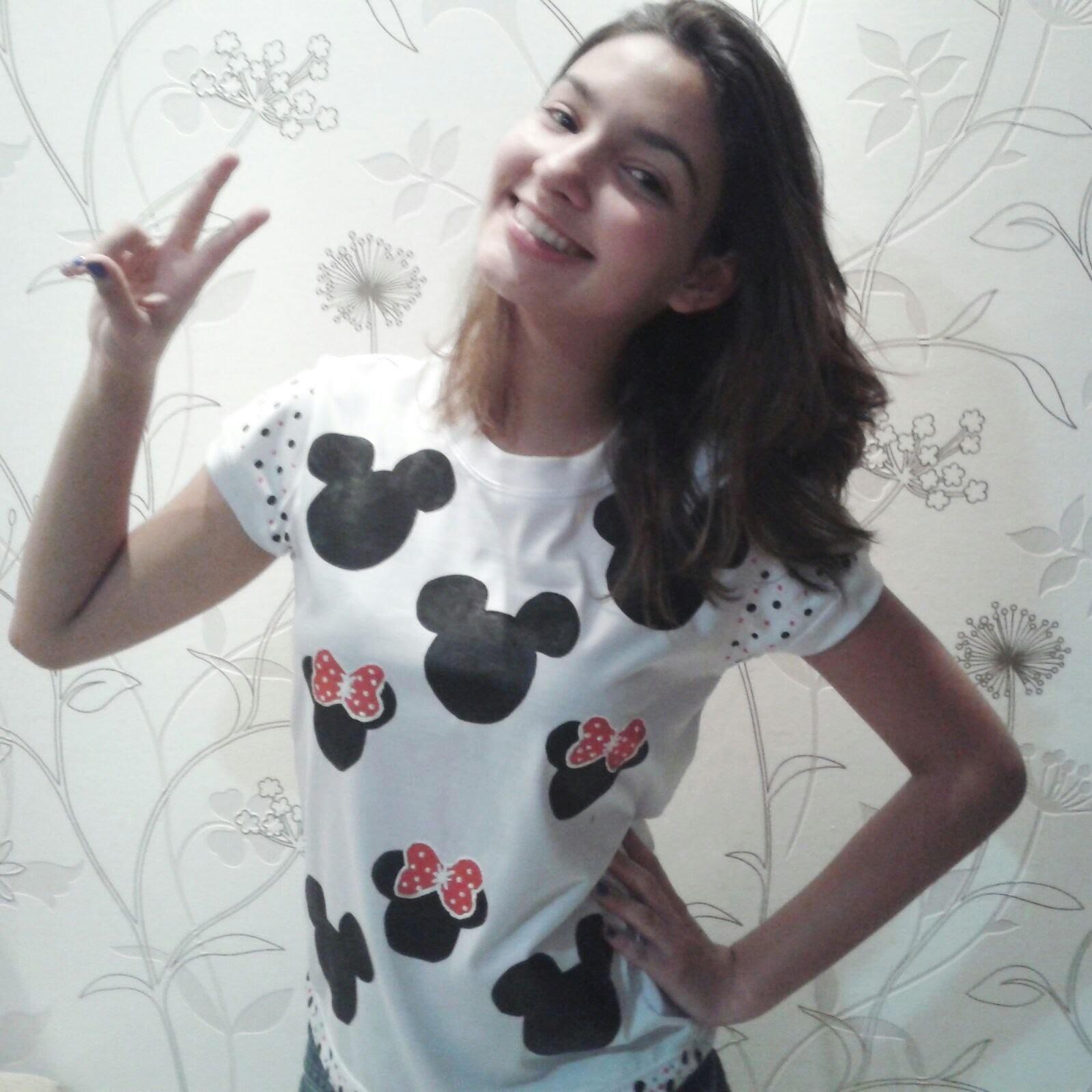 Diy Customizando : Blusa Mickey e Minnie com tinta facil facil